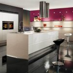 Кухонная мебель в стиле хай-тек