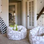 Мягкие кресла для детей с милыми зверятами