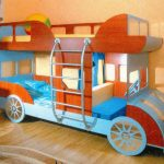 """Необычная детская кровать """"Автобус"""" с игровой зоной"""