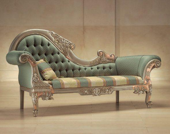 Необычный диван в стиле барокко