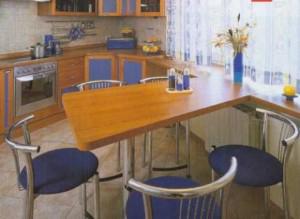 Необычный стол-подоконник