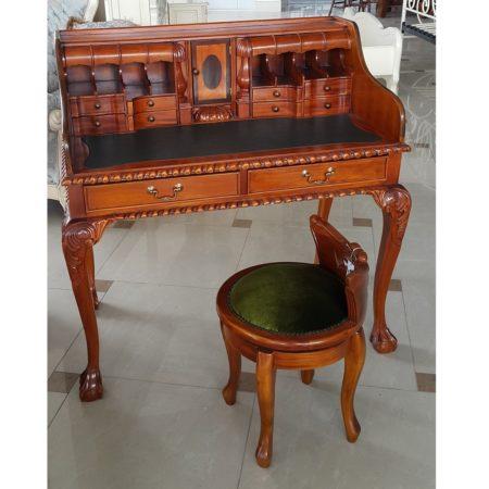 Оригинальный стол ручной работы