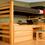 Особенности конструкции взрослой кровати-чердак