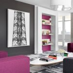 Пурпурный и серый в оформлении гостиной