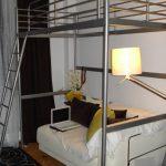 Серебристая кровать чердак Икеа с диваном внизу