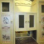 Шикарная старинная мебель на кухню
