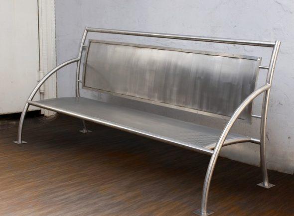 Скамейка из нержавеющей стали