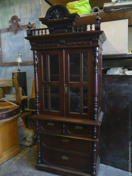 Старинный буфет после реставрации