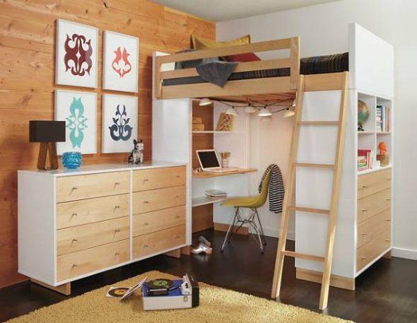 Стильная кровать чердак из дерева