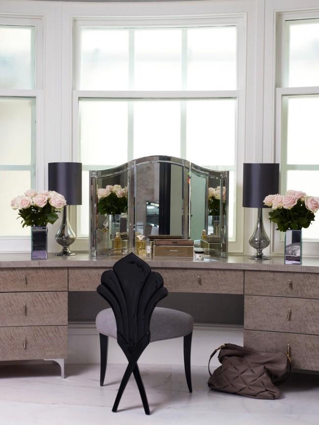 столик для макияжа с цветами