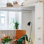 Угловая кровать для экономии пространства