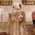 Декорированный столик из пня