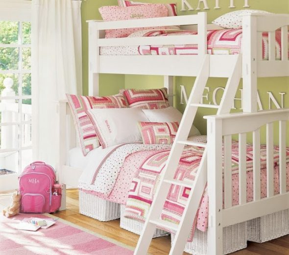 Деревянная белая двухъярусная кровать