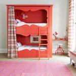 Детская двухъярусная кровать со шторкой