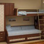 Детская кровать на втором этаже с диваном внизу