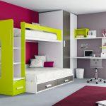 Двухъярусная кровать для подростков укомплектованная шкафчиком и полочками