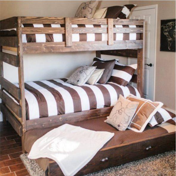 Двухъярусная кровать с выдвижным третьим ярусом