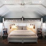 Двухъярусные кровати в спальне для семьи с детьми
