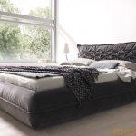 Кровать Монти с мягким изголовье черного цвета