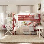 Кровать «Том» изготовлена из экологически чистой сосны