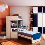 Кровать в два яруса с расположение под углом