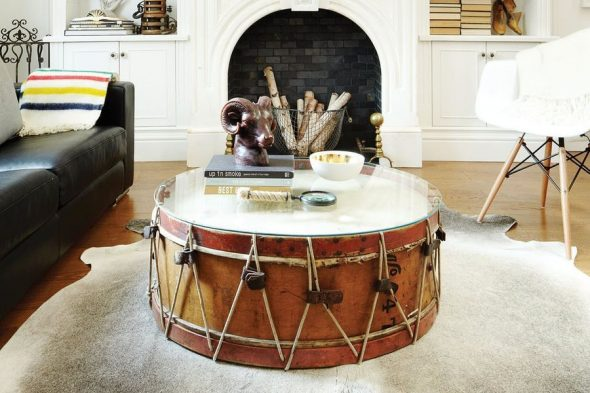 Большой барабан, переделанный в столик