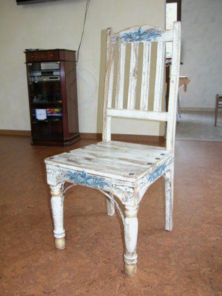 Оригинальный стул в винтажном стиле