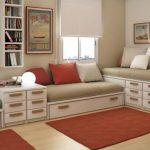 Расположение трех спальных мест в разных уровнях