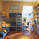 Распределение спальных мест - кровать в два этажа и диван