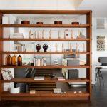 Разделяем шкафом кухню и столовую