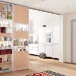 Шкаф-перегородка в проеме между комнатами