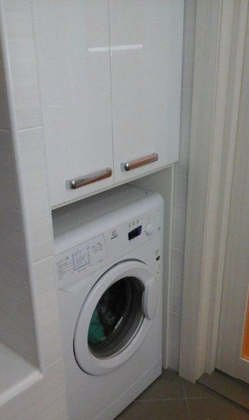 Шкафчик над стиральной машиной