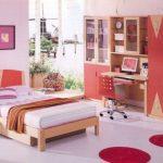 Спальня для подростка в красных тонах