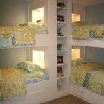 Угловая двухэтажная кровать