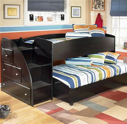 Два спальных места с выдвижной кроватью