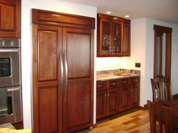 Большой двухкамерный холодильник