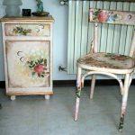 Декупаж стула и тумбочки в одном стиле