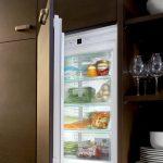 Холодильная камера в шкафу