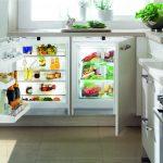 Холодильник под рабочей поврехностью