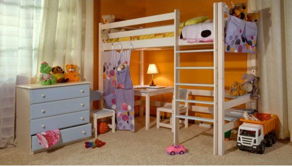 Комплект мебели для детской из сосны
