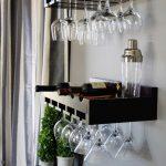 Красивые полки для бутылок вина и бокалов
