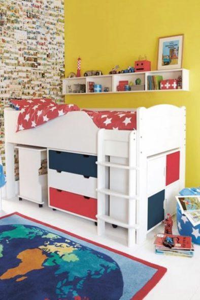Кровать-чердак с выдвижными элементами