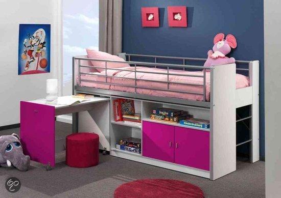 Кровать-чердак в комнату девочки