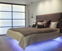 Кровать с мягкой спинкой и подсветкой внизу