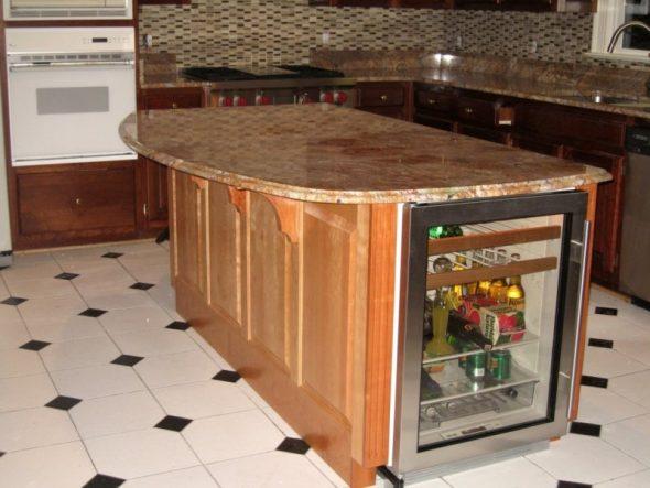 Модель холодильника с прозрачными дверями