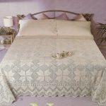 Необыкновенное покрывало для кровати крючком
