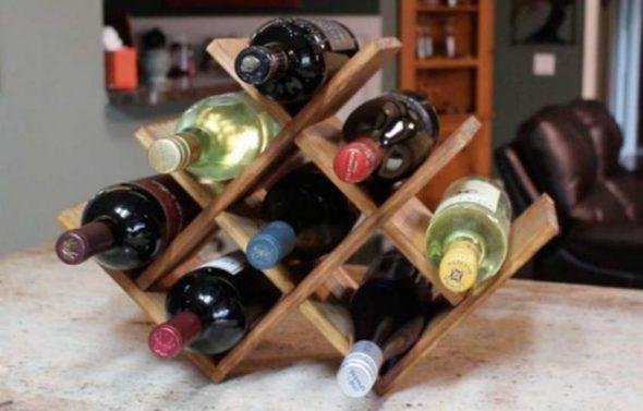 Оригинальная полка-соты для бутылок