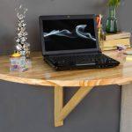 Откидной стол с креплением к стене в разложенном виде