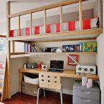 Подвесная детская кровать-чердак с письменным столом