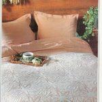 Спальня в уютном деревенском стиле